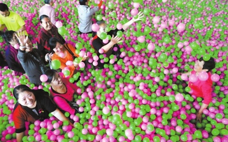 largest ball pit